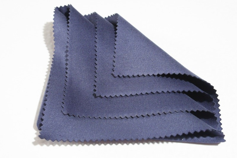 microfibre cloth for cleaning electronics laptop